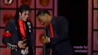 Funniest moments of Michael Jackson:) [2/4]