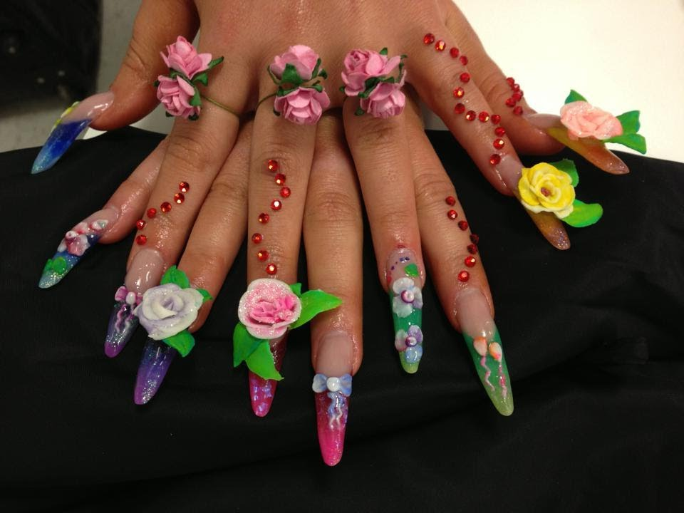Competition nails* / 3D acrylic flowers, stiletto nails ...