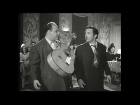 El Niño Perdido (1947) - Tin Tan y Marcelo Chavez en el restaurante