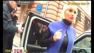 Жінка, яка облаяла поліцейських в Івано-Франківську, виявилася дружиною місцевого забудовника(, 2016-02-09T11:21:38.000Z)