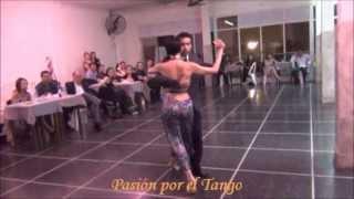 GLADYS BARREIRO y OCTAVIO FERNANDEZ bailando  MALANDRACA en FLOREAL MILONGA