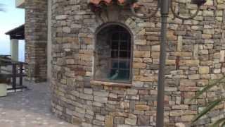 Вилла, дом в Италии   Купить английскую виллу в Сан Ремо(Вилла в Сан Ремо в английском стиле   Элитная недвижимость Италии Сан Ремо, Лигурия, Италия - продается вилл..., 2013-06-10T04:45:07.000Z)