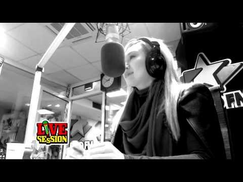 Xonia - Vino inapoi   PREMIERA ProFM LIVE Session
