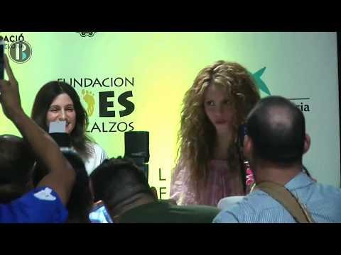 Shakira pone la primera piedra para el nuevo colegio de su fundación en Barranquilla