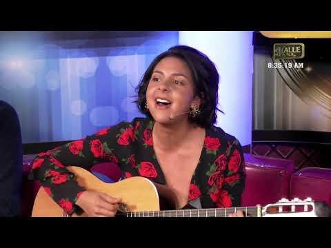 Diana Burco le dio 'sopa y seco' a Lokillo tocando la guitarra y trovando | La Kalle