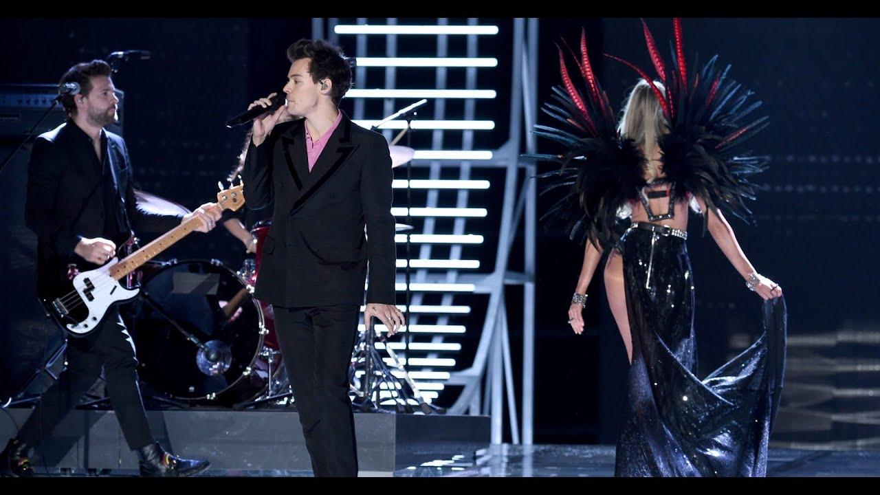 Harry Styles ♪ Victoria's Secret Fashion Show (2017) \u0026 Backstage Scenes - FULL