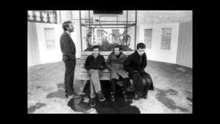 Joy Division - Love Will Tear Us Apart (Traducción al español) (Lyrics)