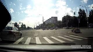 Грузовик протаранил 2 машины