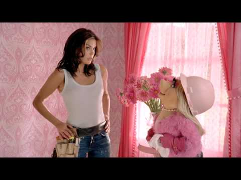 TV Spot Featuring Teri Hatcher