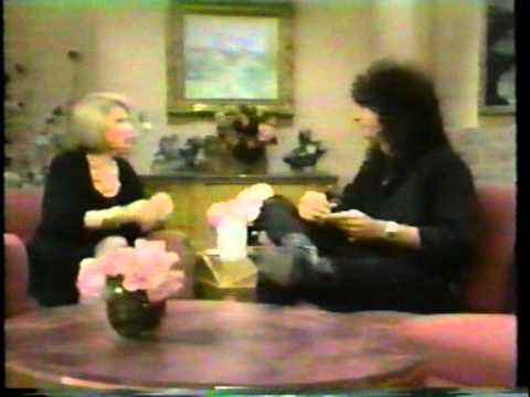 Howard Stern interview on The Joan Rivers Show 1990