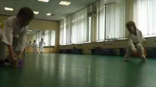 Занятие каратэ для детей в клубе