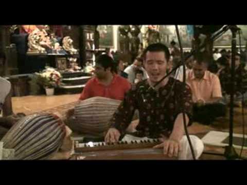 Janmastami Bhajan - Hari das - Jaya Radha Madhava - 7/8