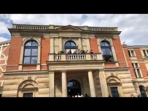 """""""Parsifal"""" in Bayreuth - die Fanfaren rufen schon ..."""