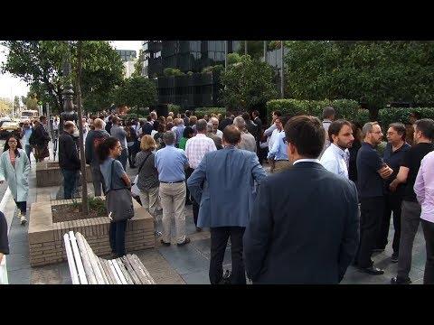 Treballadors de les oficines centrals de CaixaBank se sumen a les concentracions