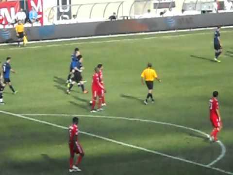 Rafael Da Silva's Nutmeg Goal