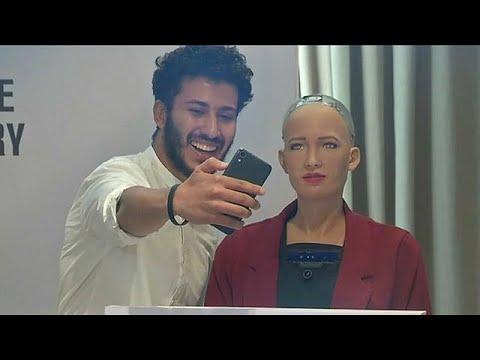 بعد أن حازت على الجنسية السعودية -صوفيا- تخطب في المصريين حول فوائد الروبوتات للبشرية …  - نشر قبل 20 دقيقة