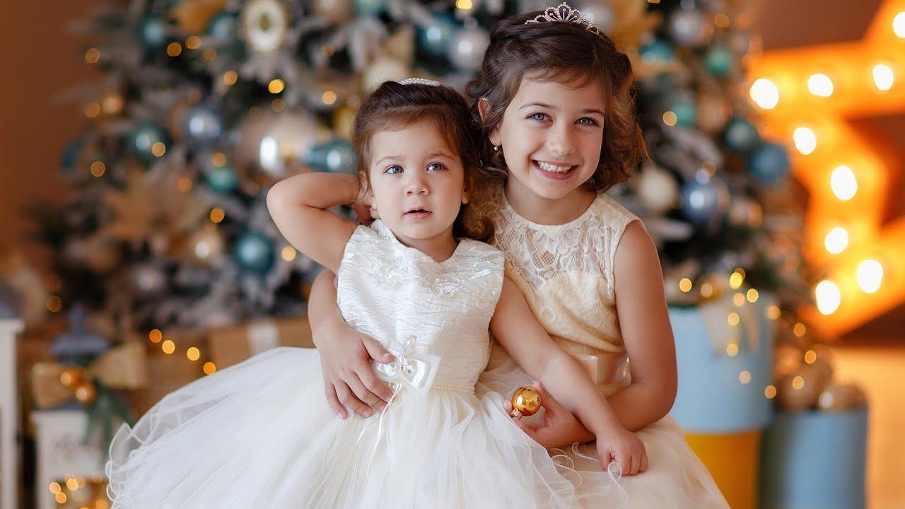 ემილია ოჯახთან ერთად გილოცავთ შობა ახალ წელს ალილო ალილო შობა თენდება