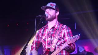 Aaron Copeland sings Tennessee Whiskey at Thirsty Horse