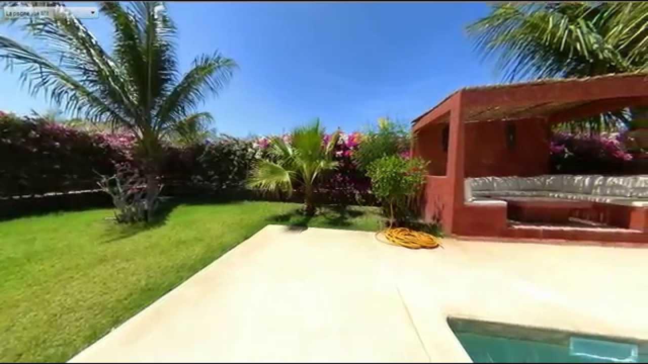 Villa jardin de saly youtube for Villa jardin caucel