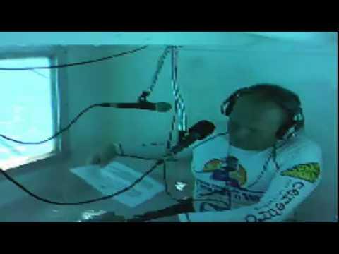 El programa de radio en vivo más largo bajo el agua
