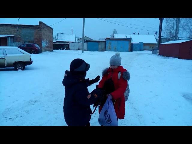 Изображение предпросмотра прочтения – ВячеславРязанов читает произведение «Просто старушка» В.А.Осеевой