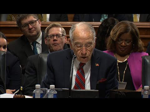 Grassley to Consider Mueller Protection Bill