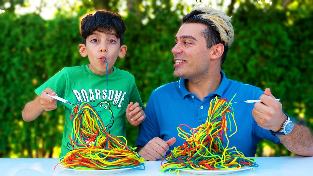 Jason and Alex want the same colored noodles
