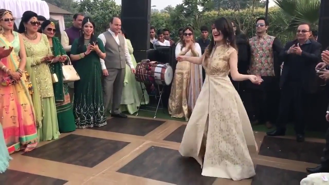 Pakistani beautiful girls Dance song laila main laila ...
