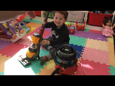 Childs Casdon Toy DC22 Vacuum Cleaner Hoover Vacuum Cleaner