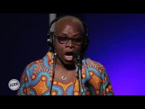 "Angélique Kidjo performing ""Shango Wa"" Live on KCRW"