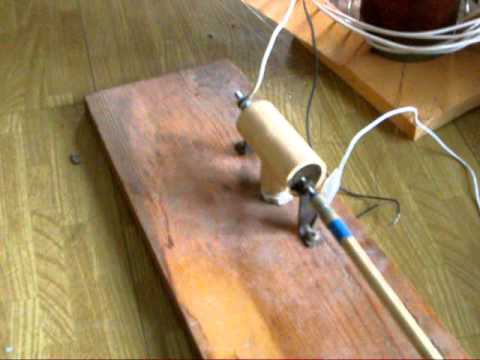 Demonstrating My Small Diy Homemade Tesla Coil Youtube