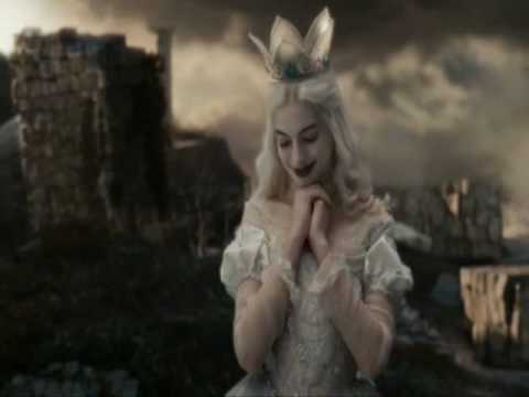 Alice in Wonderland 2010 - Bílá Královna/Anne Hathaway CZ