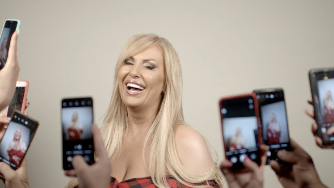 Download ELMA SINANOVIC - STORY (OFFICIAL VIDEO 2021)