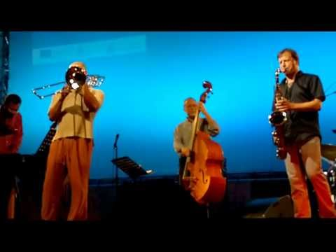 Dave Holland Quintet (Chris Potter vs Robin Eubanks) - Barletta Jazz Festival 2011