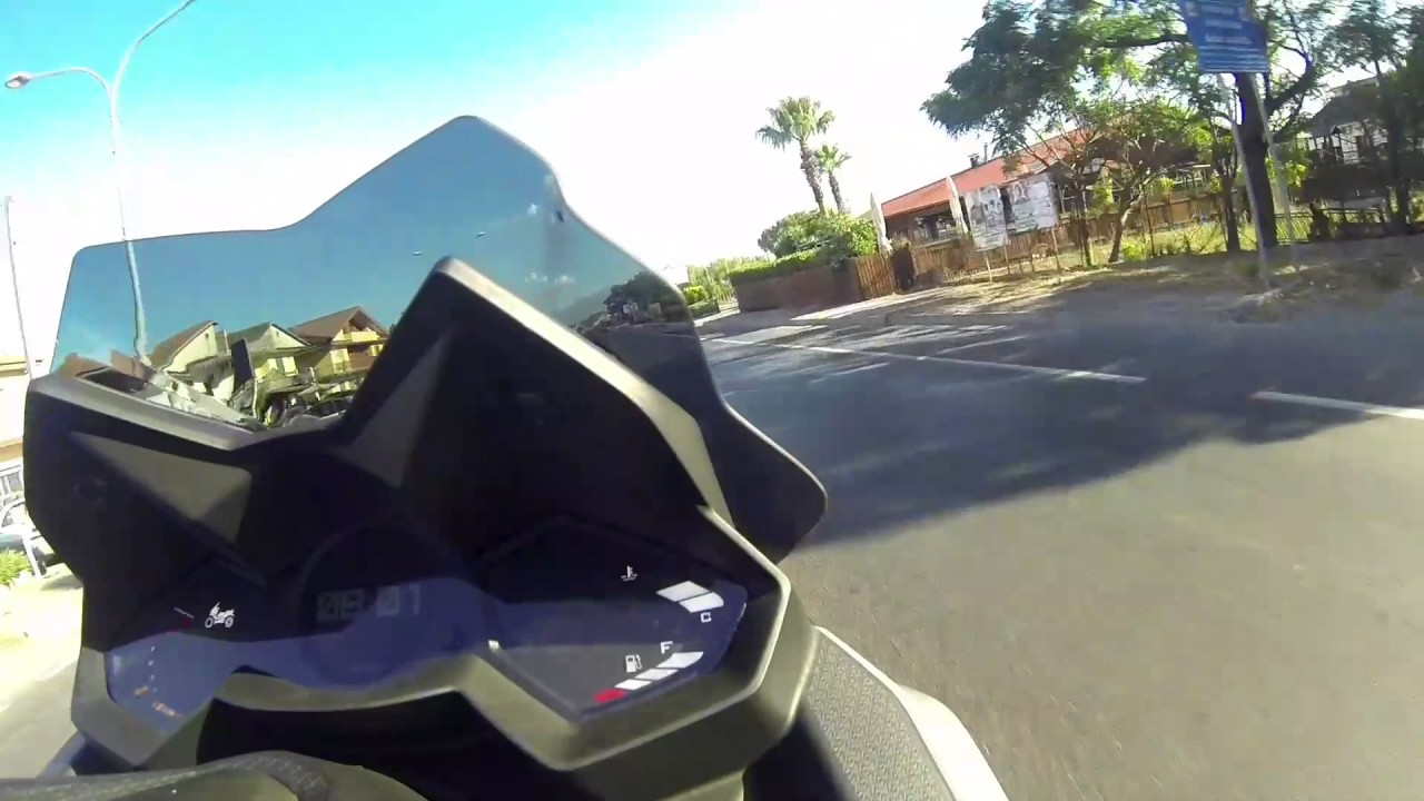 yamaha t max vs kymco ak 550 test prova comparativa - youtube