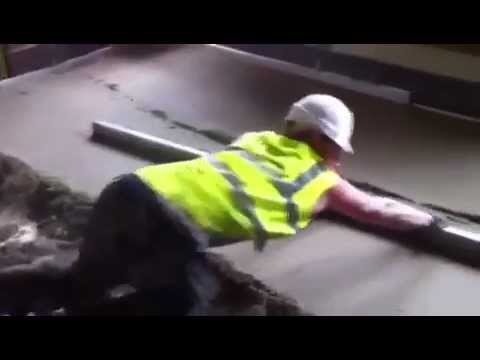 """How to lay floor screed"" trusted screed contractors 01204 521 151"
