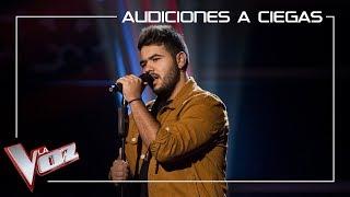 Agustín Sánchez canta