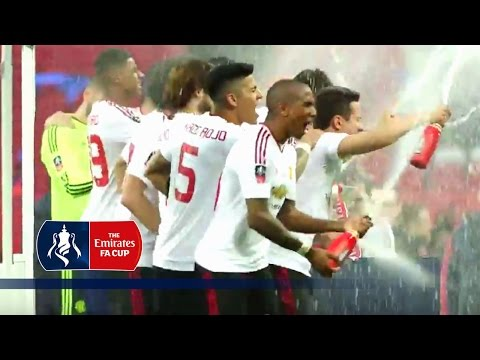 Manchester United Celebrate on Pitch After Winning 2015/16 Emirates FA Cup | Inside Access