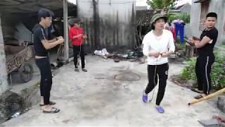 Trò Chơi Dân Gian Chọi Cù Hài Hước | Hài Cười Xuyên Việt | Vlog Tổng Hợp