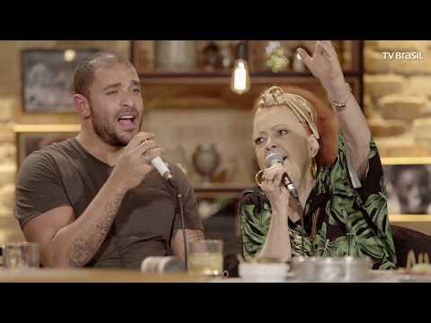 Beth Carvalho e Fundo de Quintal celebram 40 anos de Pé no Chão