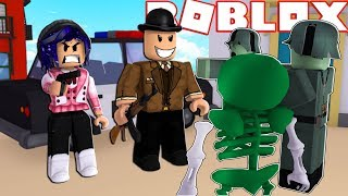 Fnaf Mangle And Her Boyfriend Are Getting Chased By Zombies!!! (Roblox Roleplay)