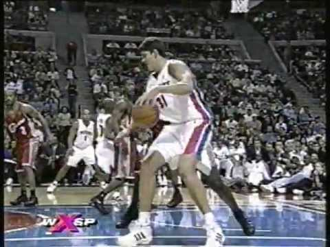 Darko Milicic - First NBA Game (Preseason 2003-2004)