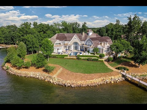 Captivating Private Lake Home in Mooresville, North Carolina