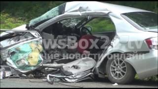 На автодороге Фокино - Большой Камень лексус протаранил легковушку: два человека погибли