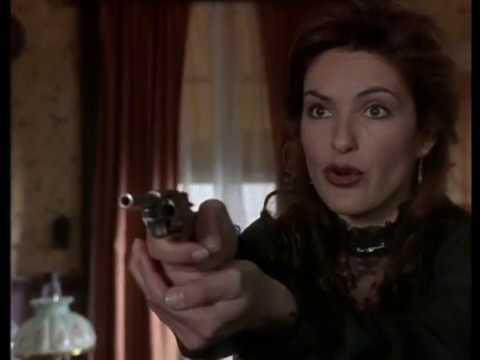 Evil Olivia Benson Mariska Hargitay, 1996
