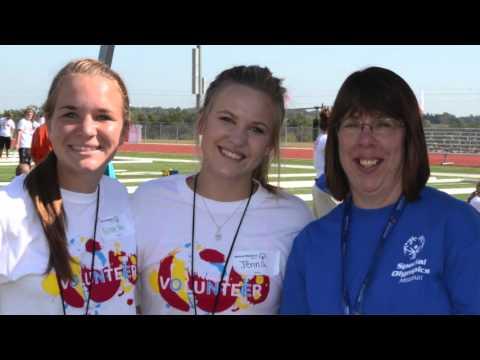 2015 Outdoor Games: Blair Oaks High School volunteers