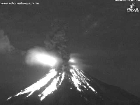 Volcán de Colima. Espectacular explosión 3 de junio 2015 a las 6:12am