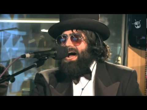 The Beards - You should consider having sex with a bearded man (live on Triple J Radio - 2011)