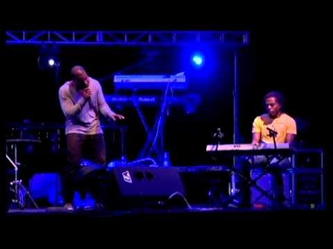 Ephrem J -  Amor en la luna y Completamente Enamorados LIVE / En Vivo 2011 Mp3