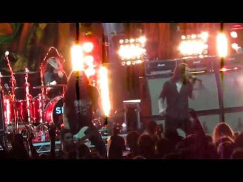 Slash – By The Sword (Ft Andrew Stockdale) and Paradise City Brisbane 2012
